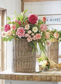 Styled after boutique floral markets, this theme carries an abundance of Real Touch floral stems, picks and bundles.
