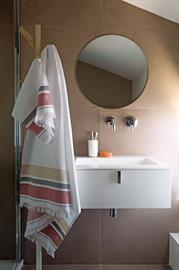 Known for their high-end damask tabletop linens and kitchen tea towels, Le Jacquard Francais also produces fine bath towels and beach towels, all for everyday use. www.le-jacquard-francais.fr