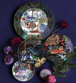 Warm and vibrant, Gien fine faience is in a class of its own through its composition, its quality designs and forms.