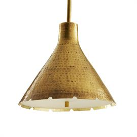 A master class in detailing, the Kimberly Pendant is an exquisite example of the art of the handmade. The cone shape features an antique brass finish that has been lightly hammered and pitted. The hand-cut edge is raw yet refined, yielding a decorative serrated edge that pops against the frosted acrylic diffuser. Additional pipe available (PIPE-173).